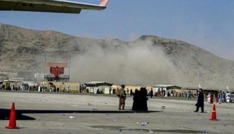 काबुल एयरपोर्ट के बाहर दो बड़ा बम धमाका, 11 लोगो की मौत