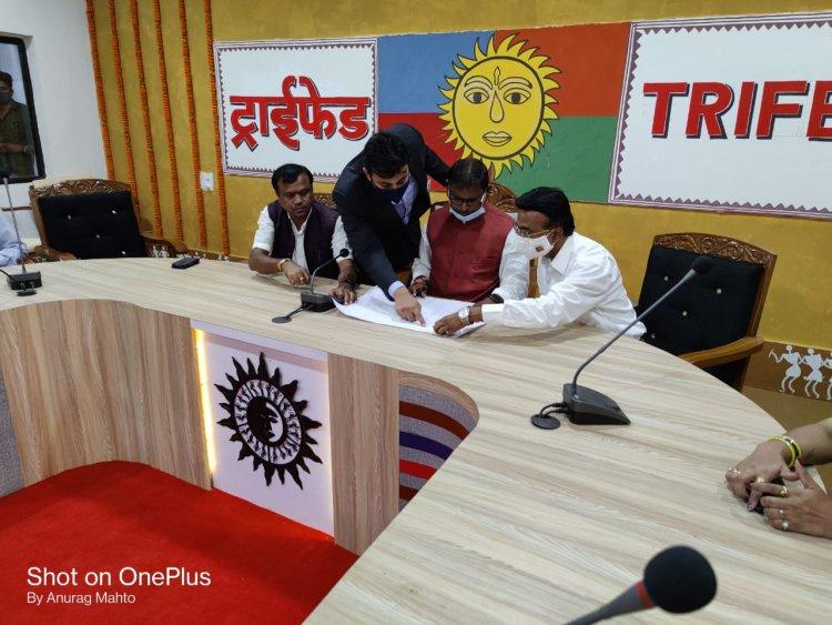 केंद्रीय जनजाति मंत्री श्री अर्जुन मुंडा ने एयरपोर्ट जगदलपुर में किया ट्राईफेड के आउटलेट का शुभारंभ